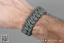 Ideas - Paracord / by Angie Combs