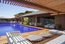Arquitetura: Piscina - Pool / Visite www.thyaraporto.com/blog e confira ótimas dicas para decorar a sua casa.