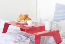 Mini stolíky do postele