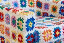 móveis forrados com crochê