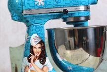 Kitchenaid Mixers / by Yolanda Gordon