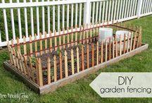 Garden Fence / DIY Garden Fence Ideas For Backyard