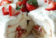 Strawberry Tiramisu Angel Food Cake