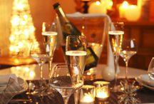Marchés de Noël en Anjou / Avec la tradition des Naulets d'Anjou, petits santons angevins, l'Anjou célèbre Noël à sa façon. En famille ou entre amis, qu'il est bon de préparer, sur les marchés de Noël, et de partager chaleureusement les fêtes sur les bords de Loire.