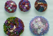 Beaded beads, buttons