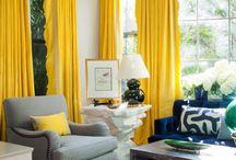 Dekorace okna žlutá
