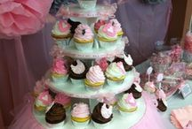 Cupcakes / I love to bake! I love to try every different cupcake... Enjoy my pins!!! / by Fotoula