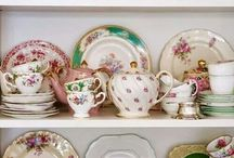 Crockery and porcelain collectors