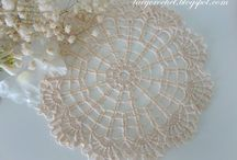 {crochet~doilies & table cloths}