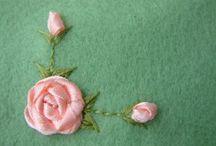 Rózsa hímzése