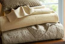 Linens,blankets / by Maria Jose Jimenez Sanchez