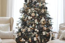 Christmas Tree Decorating / by Rustic & Refined