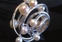 zozilver / Handgemaakte sieraden met zilver, halfedelstenen, rvs, zalmleer, leer, katoen