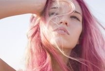 Kajsa / pink hair, feminist quotes, necklaces, pink kisses