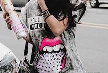 Moda e Beleza / Olá, meninas aqui eu tenho este albúm para garotas que gostam de moda e beleza. Beijinhos.