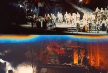 """MES PROD: LA FORZA DEL DESTINO / Un des plus grands spectacles auxquels j'ai assisté fut le """" DON CARLOS"""" que Margarita Wallmann mit en scène au Palais Garnier en 1963 : faste, grandeur, goût, intelligence, sens du théâtre, baroque...tout y était. Qui m'aurait dit alors que je devais travailler avec cette fantastique femme quelque années plus tard...en réalité vingt ans plus tard. Raymond Duffaut prit la direction des chorégies d'Orange en 82 et inaugura son règne avec """" La Forza Del Destino"""" de Verdi. Il nous recommanda d'utiliser l'immensité de la scène d'Orange dans toute sa grandeur ce que nous fîmes avec Margarita Wallmann pour la mise en scène, moi pour les décors et le choix des costumes. Nous situâmes l'action durant la Guerre Civile Espagnole. Tout se déroula très bien, cependant on sentait une certaine nervosité de la part des thuriféraires de l'ancienne direction qui n'attendirent que la défaillance de l'interprète de Preziosilla pour déclencher la """"Bronca"""". Fort heureusement un film existe à l'INA qui rend justice à ce spectacle : notre contrat avait été rempli au delà des espérances car nous déployâmes sur cette scène tout ce qui faisait 'l'art de Mme Wallmann et tout ce que j'aime des paradoxes de l'Espagne, le pays de mes ancêtres."""