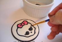 Cupcake Decorating Ideas & Templates / by Sarai Stine