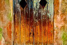 Entry Ways Extraordinaire / Fascinating Windows, Front Doors, Entrances, Door Ways and Passage Ways! / by jacqueline de la galerie de kohco
