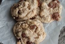 Food - Cookies / by Heather Frehner