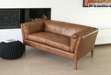 Comfortabel in Leer / Laten we eens kijken naar de selectie van vintage meubelen gemaakt van leer. vintage banken, fauteuils en vintage krukjes