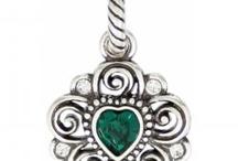 jewelry creation ideas / by Mandi Ayala