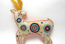 sacred animals / Taking my inspiration from de conflict in the struggle for the huichol sacred territory, I also refer to the importance of the sacred animals in my culture, paying homage to them and the traditional techniques of embroidery of my country, Mexico. One way to remind us of the importance of endangered species and knowledge, power and skills that each of them have for us.