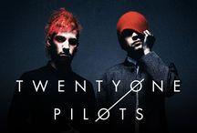 Twenty One Pilots/Tyler and Josh
