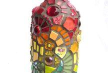 mozaikou polepená láhev