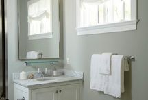 Small bathroom / by Melissa Parker