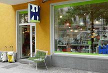 HAUSFREUND Berlin / Niederbarnimstraße 5, 10247 Berlin - Unsere Öffnungszeiten: Mo - Fr: 11:00 - 19:00 und Sa: 11:00 - 18:00