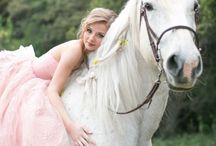 Horse loving weddings / Brides who love horses