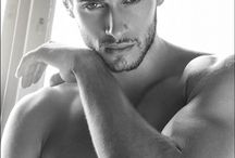 Models who look like Nick