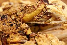 Cuisinart Recipe Images - Chef's Convection Oven Toaster Oven - TOB-260C / Recipe Images from Cuisinart Chef's Convection Toaster Oven - TOB260C - Apple Crostata - Cauliflower (No Mac) and Cheese - Grain-Free Lasagna - Maple-Walnut Salmon - Vegetarian Pizza