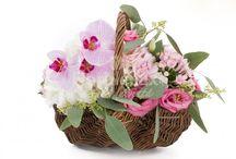 Cosuri cu flori / cosuri cu flori, cosuri cu trandafiri, cosuri cu orhidee, cosuri cu lalele - floridelux.ro