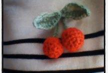 Crochet broche