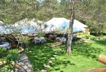 Venue 150 and under. / The venue at the inn. Best for smaller intimate gatherings. Terraced lawns for tents beautiful gardens and choice of ceremony areas.