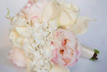 Wedding Flowers / by Justine Betschart