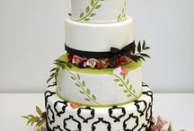 Cakes / by Mona's Cakery Decorating Classes