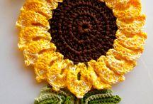 Virkattu kukka