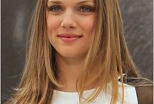 ᴛʀᴀᴄʏ sᴘɪʀɪᴅᴀᴋᴏs / Tracy Spiridakos is a thirty year old Canadian actress. She starred as Becky Richards on Majority Rules!  Birth - February, 20th, 1988 Eye color - Blue Hair color - Dirty blonde Height - 5'5  If you want to use Tracy as a faceclaim, go ahead! If you're writing a story on Wattpad and plan on writing a story, don't be afraid to message me @SinfulRegrets and send me the link so I can give it a read.