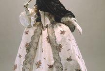 Vestuario femenino S. XVIII