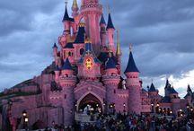 Disneyland paris / Le château de la belle au bois formant