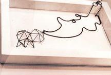 Colección Geometría / Piezas hechas en diferentes materiales explorando la transformación de la línea