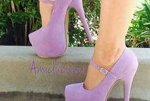 Fialové boty na podpatku