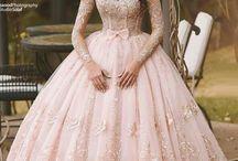 Wedding dresses and prom dresses / rochii de mireasă si rochii de bal