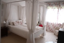 Canopy bed- guest room