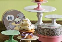 Tierd Trays & Dessert Stands / by Janet Rollins