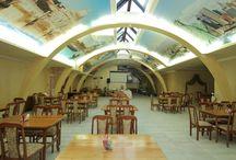 Ресторан Кафе Бар в Адлере и Сочи / Уютное место с европейской / кавказской кухней и достойной коллекцией напитков. Пространство для ярких впечатлений от потрясающих коктейлей и вкусной кухни.