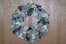 Crochet/knit wreaths