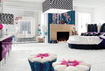 10 łazienek w stylu glamour / Pełen blasku, dekoracji i przepychu. Taki ma być efekt glamour. Dla odważnych, lubiących wnętrza nietuzinkowe, wypełnione designerskimi przedmiotami. Autor: Justyna Majkowska